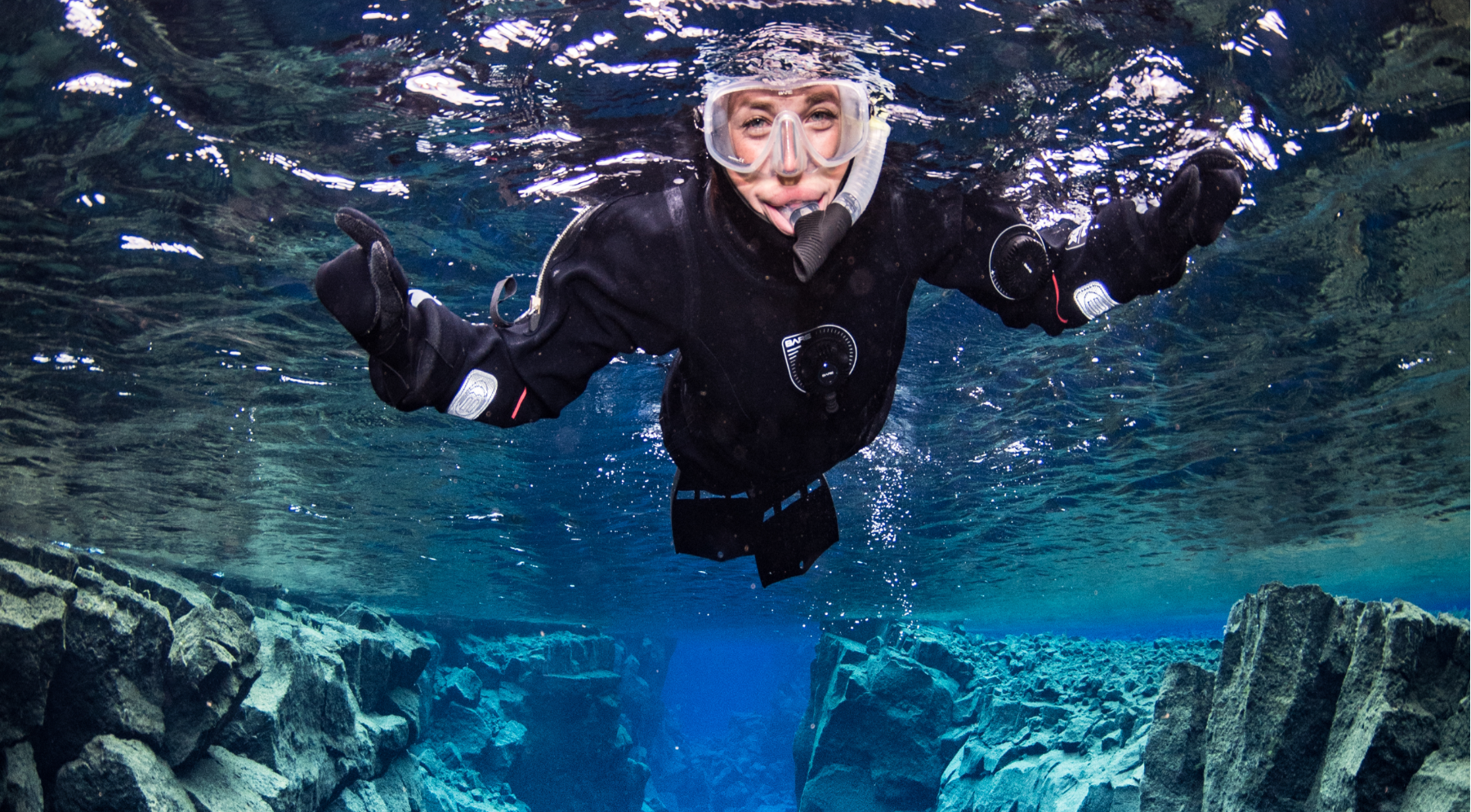 iceland-snorkling-silfra-day-tour-anders-nyberg-for-dive.is.png