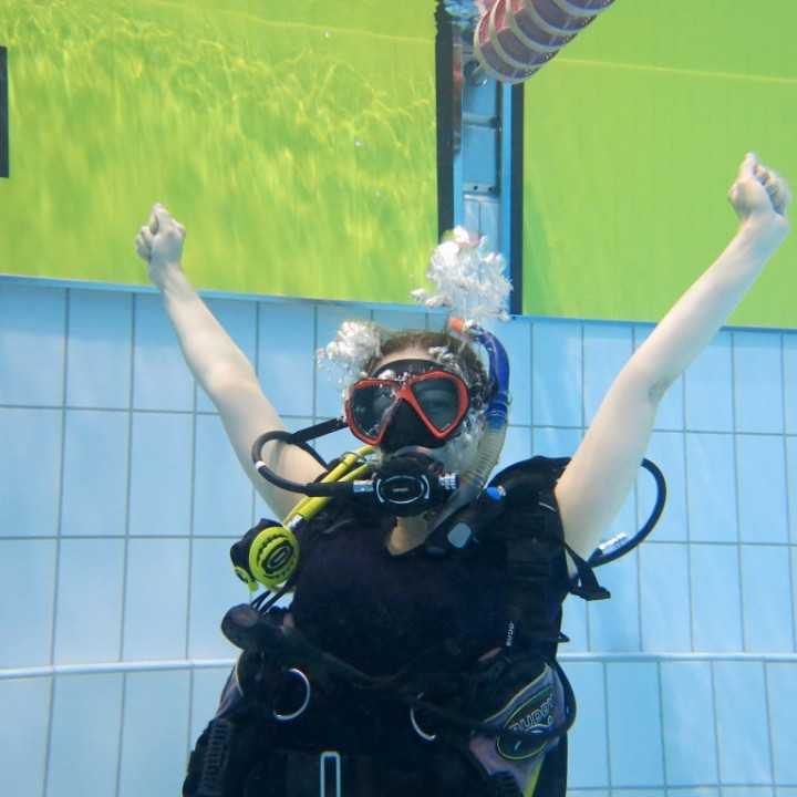 padi-open-water-diver-course-pool-session-iceland-720x720.jpg