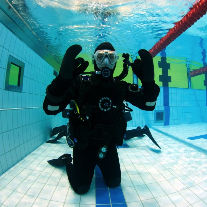 dry-suit-course-student-iceland-720x720.jpg