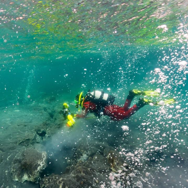 diver-geothermal-hot-spring-annette-720x720.jpg