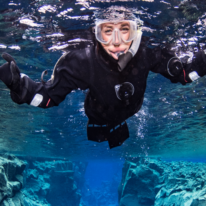 iceland-snorkling-silfra-day-tour-anders-nyberg-for-dive.is-720x720.png